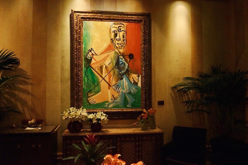ピカソの絵画に囲まれながら地中海フレンチが堪能 出来るレストラン1