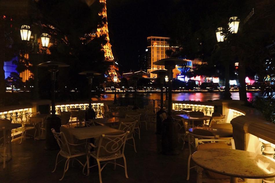 ピカソの絵画に囲まれながら地中海フレンチが堪能 出来るレストラン2