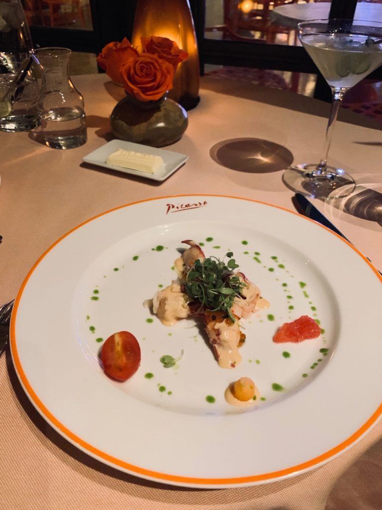 ピカソの絵画に囲まれながら地中海フレンチが堪能 出来るレストラン9
